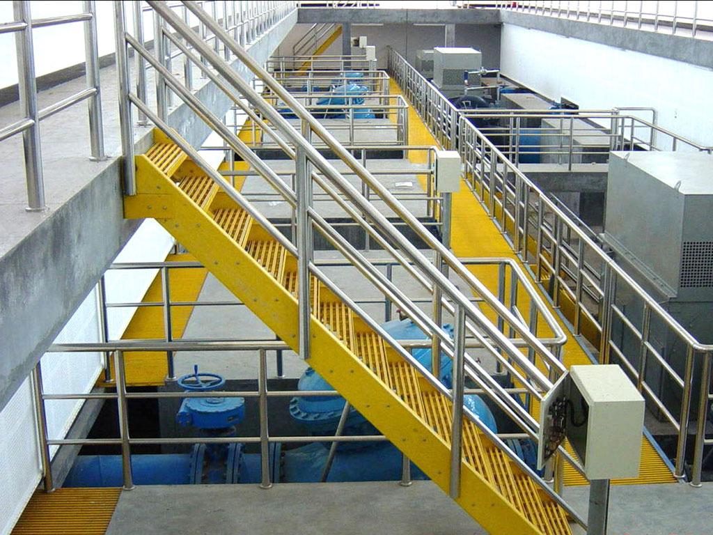 frp_fiberglass_handrails_railings_platform